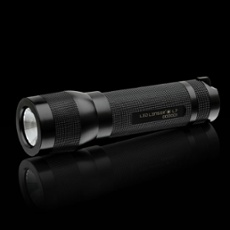 LED LENSER� L7 High Power Flash Light