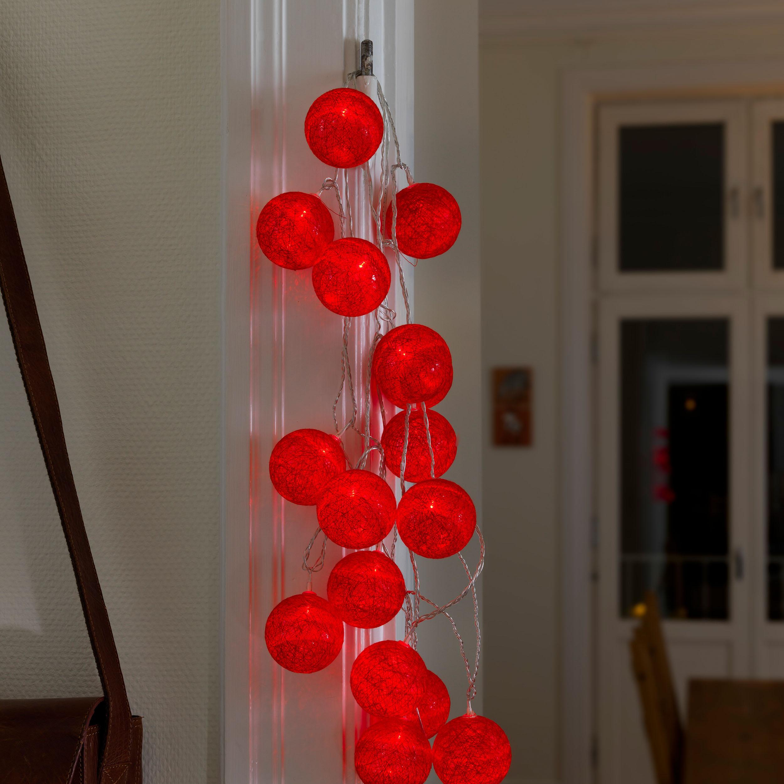 Konstsmide LED-Dekolichterkette, rote Baumwollkugeln, 6 cm 3136-553